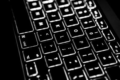 27dc4-macbook-pro-backlit-keyboard3